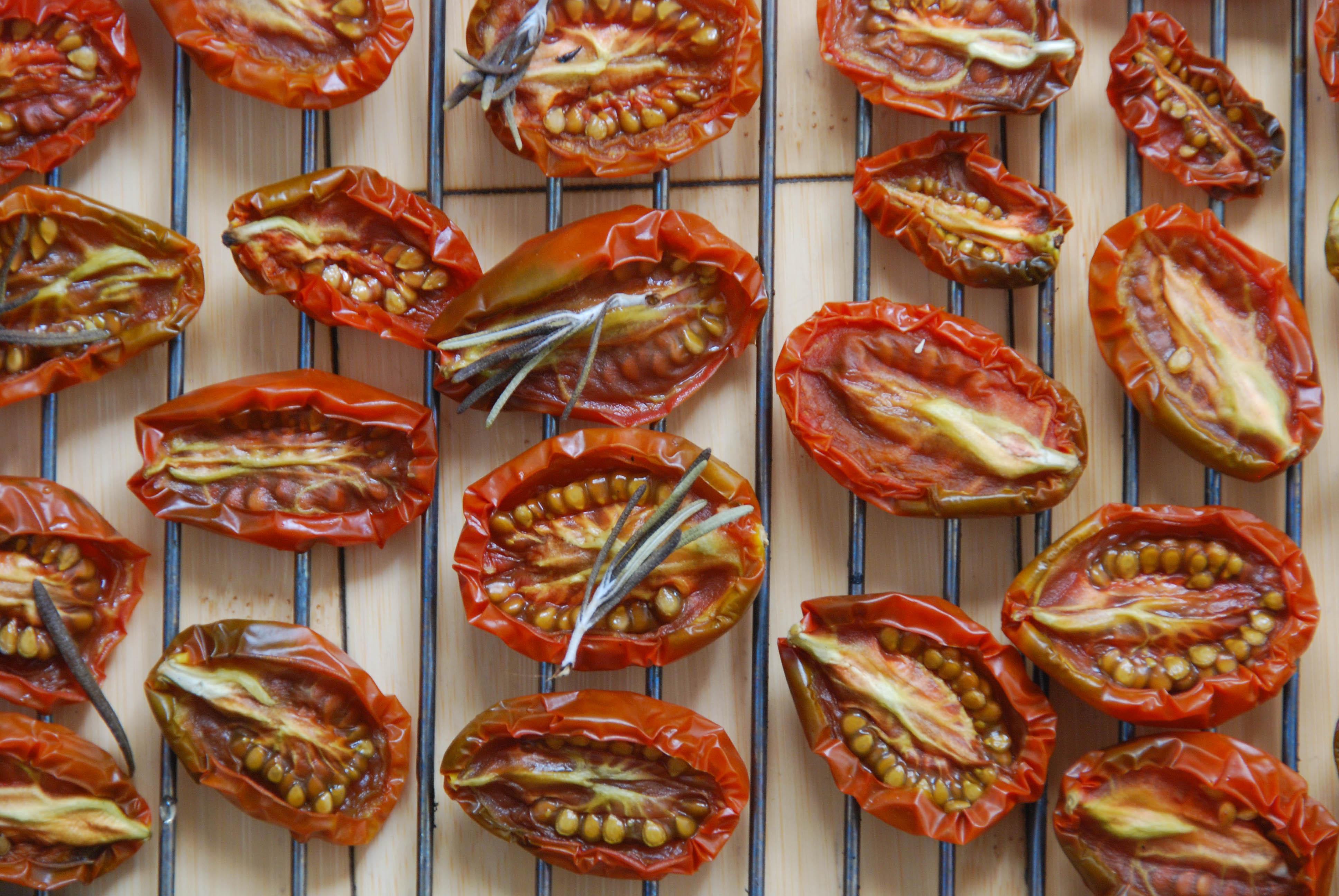 как выглядят вяленые помидоры фото
